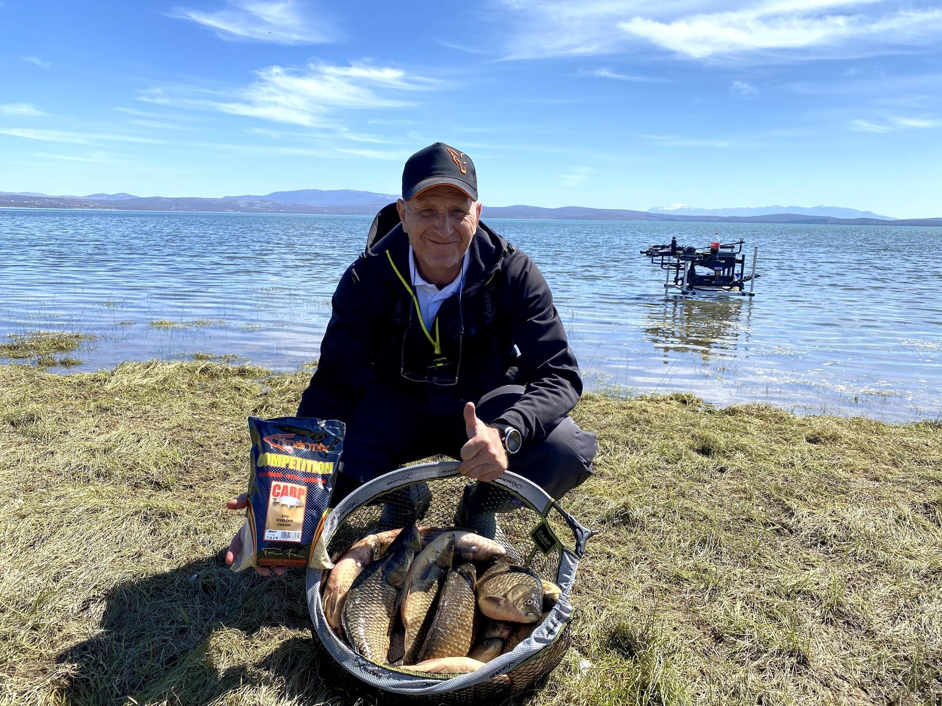 Buško jezero i feeder ribolov